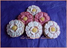 Sablés fleurs en chocolat.   { sans sucre raffiné & allégé en matières grasses }