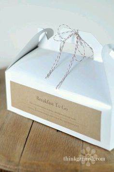 HOS Wedding Orders Cookie Packaging, Sandwich Packaging, Food Box Packaging, Bread Packaging, Simple Packaging, Packaging Ideas, Bakery Packaging, Gift Packaging, Box Of Donuts