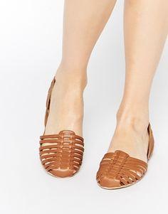 ASOS - JUDGES - Chaussures à enfiler en cuir en deux parties Vêtements De  Vacances, 73a4b872be72