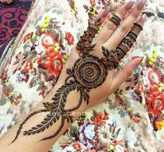 Henna design More New Henna Designs, Indian Henna Designs, Latest Arabic Mehndi Designs, Mehndi Desing, Mehndi Designs For Hands, Hena Designs, Arabic Design, Art Designs, Tattoo Designs