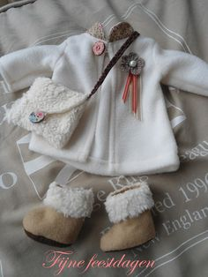 love this outfit but site needs t be translated ~ she has one doll for sale but others there doesn't seem to be patterns just pics - you can check it out yourself.