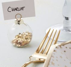 25 perfect finishing touches for your dream winter wedding -  bauble place setting