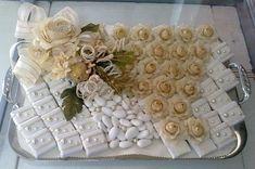 EMILIO plates collection for weddings album 1 Chocolate Basket, Chocolate Favors, Chocolate Bouquet, Chocolate Decorations, Candy Wedding Favors, Wedding Gifts, Wedding Album, Wedding Guest Book, Deco Buffet