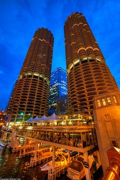 Marina City and its marina (Chicago Pin of the Day, 12/20/2014).