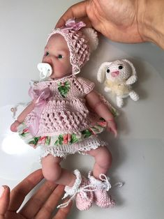 Victoria, Baby Girl Dolls, Cloche, Minis, Body, Crochet Hats, Layette, Doll Clothes, Baskets