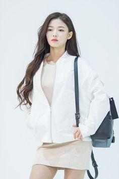 Kim Yoo Jung Fashion, Kim Yoo Jung Photoshoot, Kim Joo Jung, Kwak Dong Yeon, Girl Actors, Korean Makeup Look, Han Hyo Joo, Kim Ji Won, Bolero