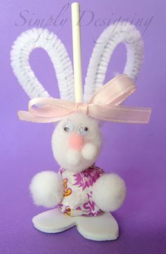 Lollipop Bunnies - really cute and really simple Easter craft... Would be fun for kiddos to make and give to friends!