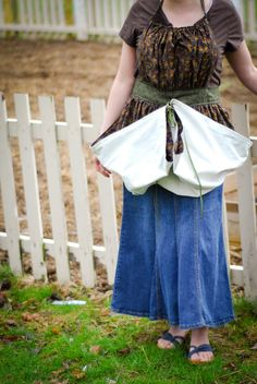 The perfect apron for the gardener- tie up the bottom and bring in the harvest!  Gathering Apron Tutorial from Reformation Acres - | www.reformationacres.com