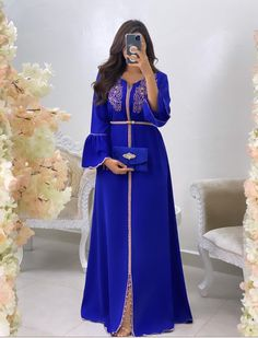 Morrocan Dress, Moroccan Caftan, Casual Dresses, Fashion Dresses, Beautiful Maxi Dresses, Arab Fashion, Caftan Dress, Indian Designer Outfits, African Print Fashion