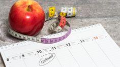 Eine Intervallfasten-Kur sollte idealerweise fünf bis sieben Tage dauern. Mit diesem Plan bringen Sie den Säure-Basen-Haushalt wieder in Balance und nehmen ab.