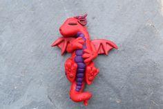 red_sleeping_polymer_clay_baby_dragon_by_ralajessr-d6hntsa.jpg (3456×2304)