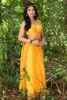 Shruti Hassan Latest Photos From Puli Movie Yadtek South Indian Actress Hot, Indian Actress Photos, Indian Film Actress, Tamil Actress, Indian Actresses, South Actress, Bollywood Girls, Bollywood Photos, Indian Bollywood