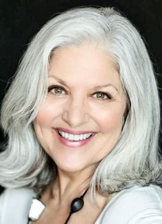 Grey Blonde Hair, Grey White Hair, Long Gray Hair, Silver Grey Hair, Grey Hair Over 50, Grey Hair Journey, Silver Haired Beauties, Beautiful Women Over 50, Grey Hair Inspiration