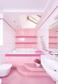 Imagen de http://bathroomist.com/wp-content/uploads/2013/09/pink-bathroom-ideas-lovely-600x877.jpg