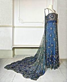 Extravagante Perlen und paillettenbesetztem Kleid mit abnehmbaren Zug um 1910. Dieses Kleid wird Atelier Souplets, einer großen Pariser