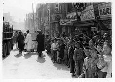 그때 그 시절 - 부산. 초등학생들의 영화 단체관람(1953)