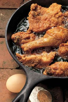 Fried Chicken Fried Chicken cooked in a cast iron skillet.Fried Chicken cooked in a cast iron skillet. Cast Iron Skillet Cooking, Iron Skillet Recipes, Cast Iron Recipes, Cooking With Cast Iron, Cast Iron Fried Chicken, Fried Chicken Legs, Breaded Chicken, Boneless Chicken, Skillet Chicken