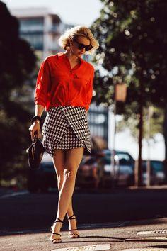 Lady in Red coming through! Red Fashion, Fashion Models, Fashion Outfits, Womens Fashion, Fashion Trends, Fashion 2018, Luxury Fashion, Origami Skirt, Street Chic