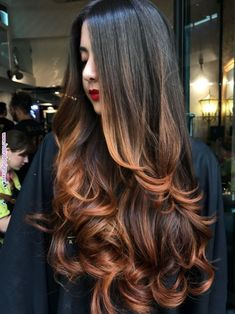 Are you going to balayage hair for the first time and know nothing about this technique? We've gathered everything you need to know about balayage, check! Long Face Hairstyles, Haircuts For Long Hair, Long Curly Hair, Long Hair Cuts, Curly Hair Styles, Haircut Short, Diy Haircut, Fall Hairstyles, Wedding Hairstyles