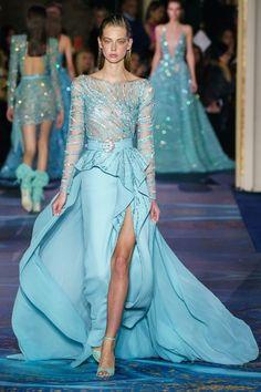 Zuhair Murad Frühjahr/Sommer 2019 Haute Couture - Fashion Shows Zuhair Murad, Fashion Week, Runway Fashion, Fashion Show, Fashion Design, Style Haute Couture, Spring Couture, Evening Dress Long, Evening Dresses