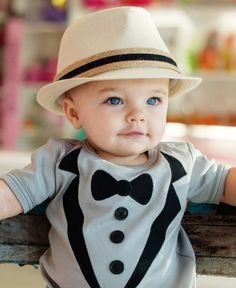 'Brayden' Burlap Fedora. I HAVE to get this for Breckin!