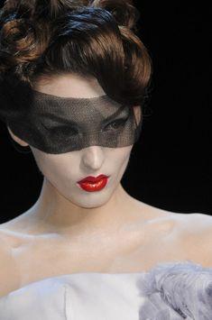 GIO KATHLEEN: CLOSE UP: Christian Dior Spring 2011