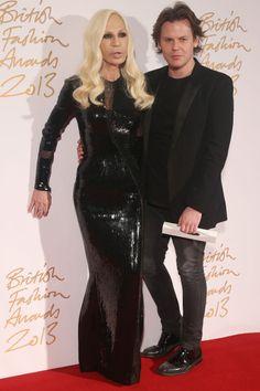 Christopher Kane y Donatella Versace
