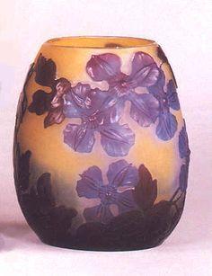 Emile Gallé. Vase en verre camée  1900. © Coll. Part.
