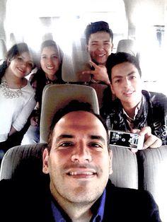 """Los escuincles de la pelicula """"gracias por ser mi amigo"""" rumbo a entrevista en tv mexiquense!!"""