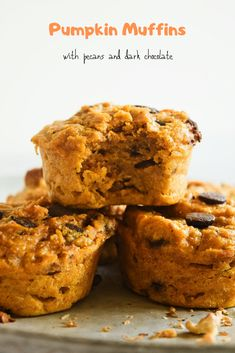 These pumpkin muffins are healthy, easy and only require one bowl and 20 minutes to make! Made with real pumpkin, perfectly spiced, tender and moist. Muffin Recipes, Brunch Recipes, Baking Recipes, Sweet Recipes, Real Food Recipes, Delicious Recipes, Moist Chocolate Chip Muffins, Apple Oatmeal Muffins, Fun Desserts