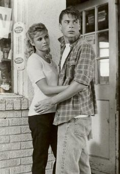 Ship. I ship it. Sandy x Soda. Ship. <<< Just read the last 2 chapters of the Outsiders... don't ship em anymore.