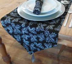 """35x200 (14x78"""") BLACK CHRISTMAS RUNNER WITH SILVER HOLLY DESIGN - 6 SEATER"""
