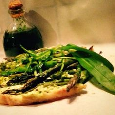 Mine matskriblerier: Grønn pai med asparges og ramsløk, samt Snøfrisk