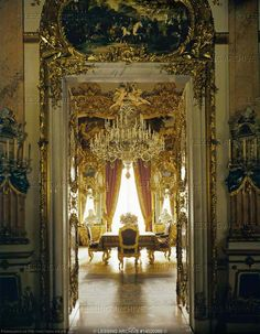 Herrenchiemsee Palace, built by order of Ludwig II of Bavaria in homage to Ludwig XIV on Herrenchiemsee Island in Chiemsee Lake, Bavaria. Versailles, Baroque Architecture, Architecture Design, Beautiful Space, Beautiful Homes, Linderhof, Magic Table, Ludwig Xiv, Inside Castles