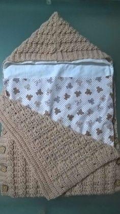Sacco nanna.. esterno in lana lavorata all'uncinetto, fodera in cotone felpato