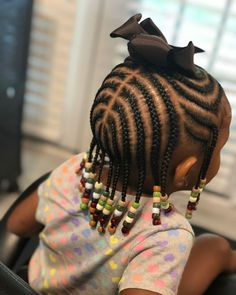 All styles of box braids to sublimate her hair afro On long box braids, everything is allowed! For fans of all kinds of buns, Afro braids in XXL bun bun work as well as the low glamorous bun Zoe Kravitz. Box Braids Hairstyles, Toddler Braided Hairstyles, Toddler Braids, Black Kids Hairstyles, Baby Girl Hairstyles, Braids For Kids, Hairstyle Ideas, Hairstyles Pictures, Girls Braids