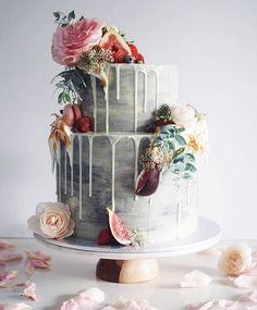 LOVE this cake @100_layercake #weddingcake #weddingcakes #wedding #cake #bridalcake