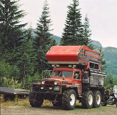 Truck Camper Porn: Crazy 6×6 Jeep Truck Camper