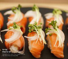 Korean Food, Sushi, Cooking, Healthy, Ethnic Recipes, Crochet, Meals, Food Food, Kitchen