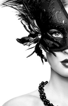 Masquerade Glam in Black and White