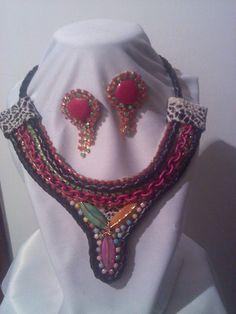 ROSAL ..Collar hecho a mano @vanylcration