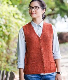 Freie Strickmuster – Knit Library Vest Using Rowan Felted Tweed Fabric Patterns, Knitting Patterns, Crochet Patterns, Knitting Ideas, Rowan Felted Tweed, Knit Vest Pattern, Sweater Patterns, Brooklyn Tweed, Stockinette