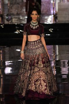 Latest Bridal Wear Lehenga Designs by Manish Malhotra Manish Malhotra Lehenga, Manish Malhotra Bridal, Lehenga Choli, Indian Bridal Outfits, Pakistani Bridal Dresses, Indian Bridal Wear, Indian Dresses, Bridal Lehenga, Wedding Dresses