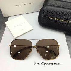 พร้อมส่ง Victoria beckham Loop Navigator (VBS132) Add line : @ps-sunglasses #victoriabeckhamsunglasses #vbsunglasses #vbs132 #loopnavigator #pradasunglasses #guccisunglasses #thombrownesunglasses #kloset #jetsetbrand #psmaterial #zarathailand #karenwalker #lindafarrow #gentlemonster #shopeeth #แว่นกันแดดhiend