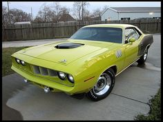 """The very popular Camrao A favorite for car collectors. The Muscle Car History Back in the and the American car manufacturers diversified their automobile lines with high performance vehicles which came to be known as """"Muscle Cars. Plymouth Barracuda, Best Muscle Cars, Pony Car, Car Manufacturers, Vintage Trucks, Sexy Cars, Old Cars, Dream Cars, Classic Cars"""