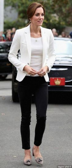 46 Elegant Work Outfits with Flats » SeasonOutfit