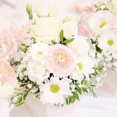 Svadobná výzdoba v Penzióne pod Hájom.  Jemnučká svadobná výzdoba s lesnými doplnkami. Rozsypali sme veľa šišiek machu a pomedzi sme povkladali starodávne fľašky s kvietkami. #kvetysilvia #kvetinarstvo #kvety #svadba #love #instagood #cute #follow #photooftheday #beautiful #tagsforlikes #happy#like4like #nature #style #nofilter #pretty #flowers #design #awesome #wedding #home #handmade #flower #summer #bride #weddingday #floral #naturelovers #picoftheday