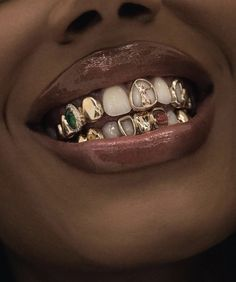 Black Girl Aesthetic, Brown Aesthetic, Badass Aesthetic, Girl Grillz, Raven Tracy, Tooth Gem, Piercings, Grills Teeth, Gold Grill
