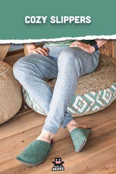 Handmade, cozy slippers made of green wool felt. For men and women. #greenhome #greendecor #greenslippers #greeninterior Green Slippers, Fuzzy Slippers, Kindle Case, Green Home Decor, Dopp Kit, Green Wool, Kids Backpacks, Wool Felt, Cozy