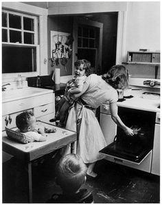 Elliott Erwitt - New Rochelle, New York, USA 1955.